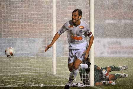 415105 Santos assume lideran%C3%A7a da Libertadores ap%C3%B3s vencer Juan Aurich3 Santos é líder da Libertadores após vencer Juan Aurich