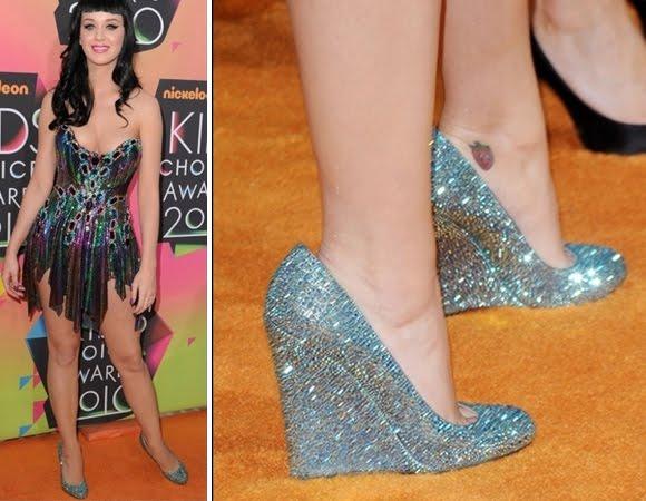 415400 Katy Perry Sapatos com Brilhos   Modelos, fotos