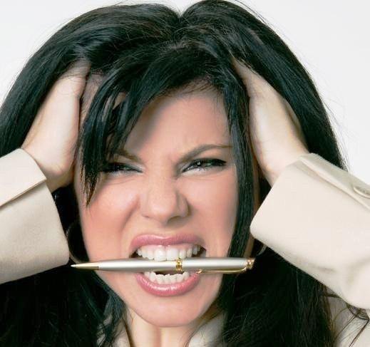 416855 O estresse e ansiedade é um dos principais fatores para queda de cabelo Sucos para evitar queda de cabelo