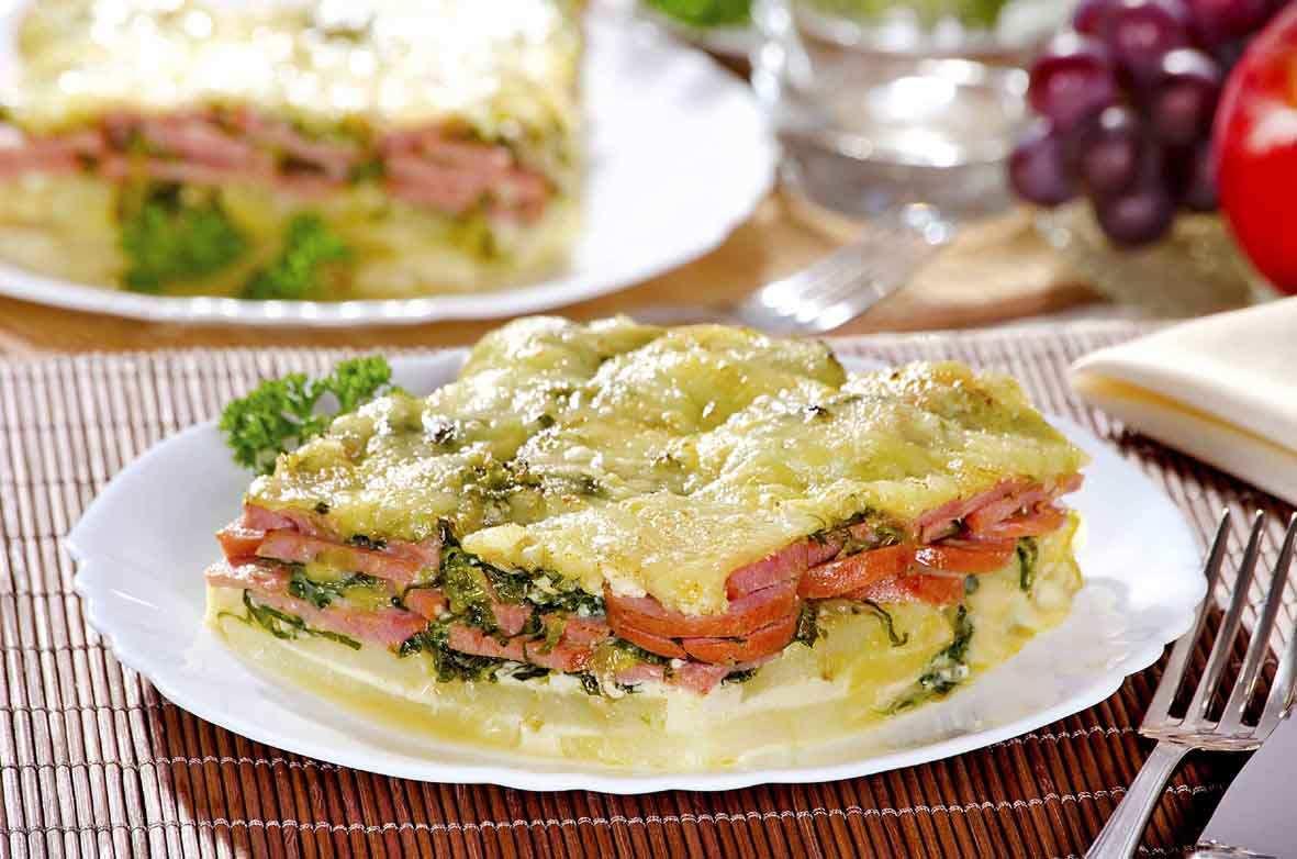 419060 omelete Omelete de forno com batata e linguiça