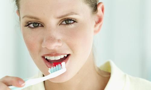 420339 A higiene bucal é a melhor forma de prevenir todos os tipos de problemas com os dentes. Cuidados após o tratamento de canal