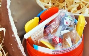 Cuidado com brinquedos dos ovos de Páscoa