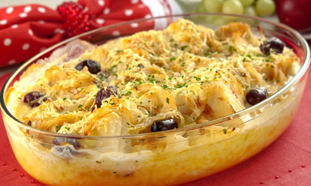 423012 Bacalhau gratinado com creme de mandioca1 Pratos típicos da Páscoa