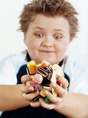 423038 crianças obesidade Como ajudar a criança a perder peso