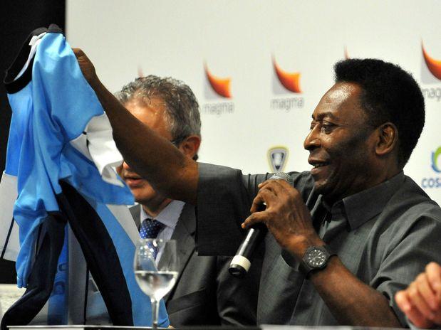 425065 Primeiro ele tem que ser melhor que o Neymar diz Pel%C3%A9 sobre Messi2 Primeiro ele tem que ser melhor que o Neymar, diz Pelé sobre Messi