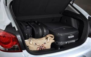 Chevrolet retorna ao comércio de hatches médios com o Cruze Sport6