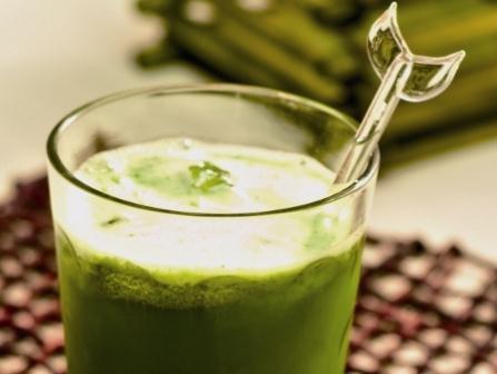 426864 Suco de agrião pode ajudar no combate à rinite. Remédio natural para rinite alérgica