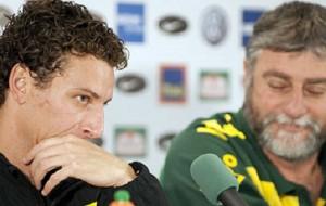 Para negociar com Juan, Santos pode liberar Elano ao São Paulo