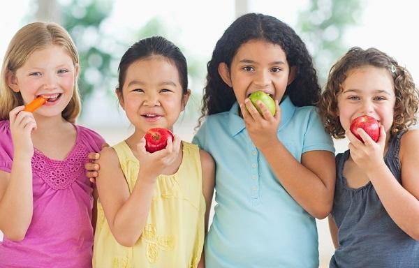430317 ALIMENTACAO Alimentos que ajudam no crescimento infantil