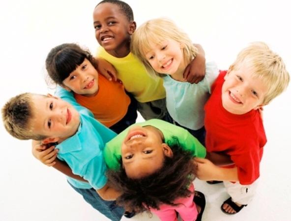 430317 criancas1 Alimentos que ajudam no crescimento infantil
