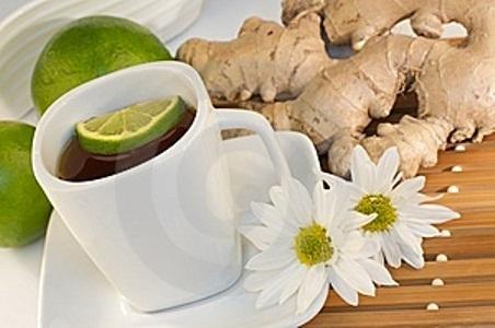 432822 chá de limão com gengibre para a febre Febre interna: o que fazer
