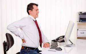 Pessoas insatisfeitas com o trabalho são mais propensas a ter dores nas costas