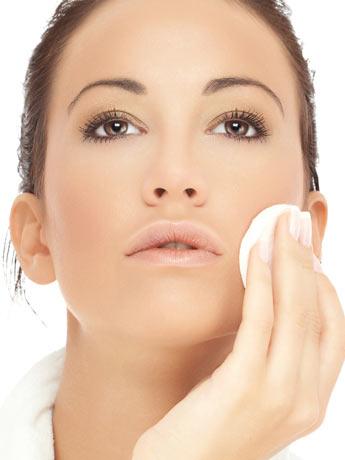 435665 Como fazer limpeza de pele passo a passo 2 Como fazer limpeza de pele: passo a passo