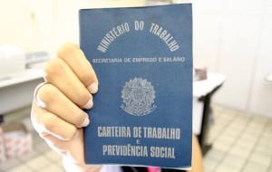Desemprego sobe para 6,2% em março, diz IBGE