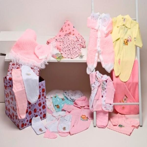 Roupas de Bebe - A Fábrica Bicho Molhado confecções, produz uma linha completa para o enxoval do seu bebê, desde body, pagão, mijão, macacão,toalhas e lençóis.