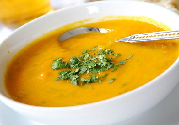438171 sopa2 Sopa de mandioquinha
