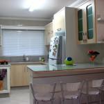 438175 Cozinhas pequenas decoradas fotos 22 150x150 Cozinhas pequenas decoradas: fotos