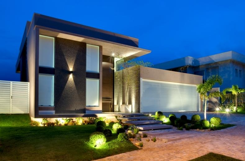 Casas com fachadas modernas fotos for Fachadas de oficinas modernas