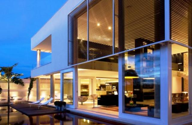 Casas com fachadas modernas fotos for Fotos de casas modernas brasileiras