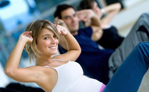 439159 Pessoas fazendo exercício Como ter as pernas definidas: dicas, exercícios