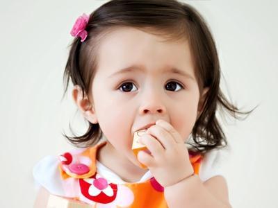 439489 Objetos que criança corre risco de engolir – como evitar Objetos que criança corre risco de engolir: como evitar