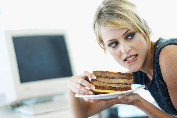 439921 compulsão alimentar periódica Comer por impulso: como evitar