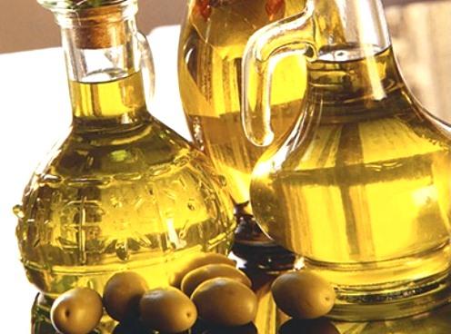 439981 O azeite é uma gordura que faz bem a nossa saúde. Gorduras que fazem bem para a saúde