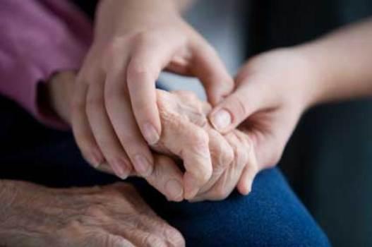 446115 299720 mal de parkinson tratamento not1 Primeiros sinais do Mal de Parkinson