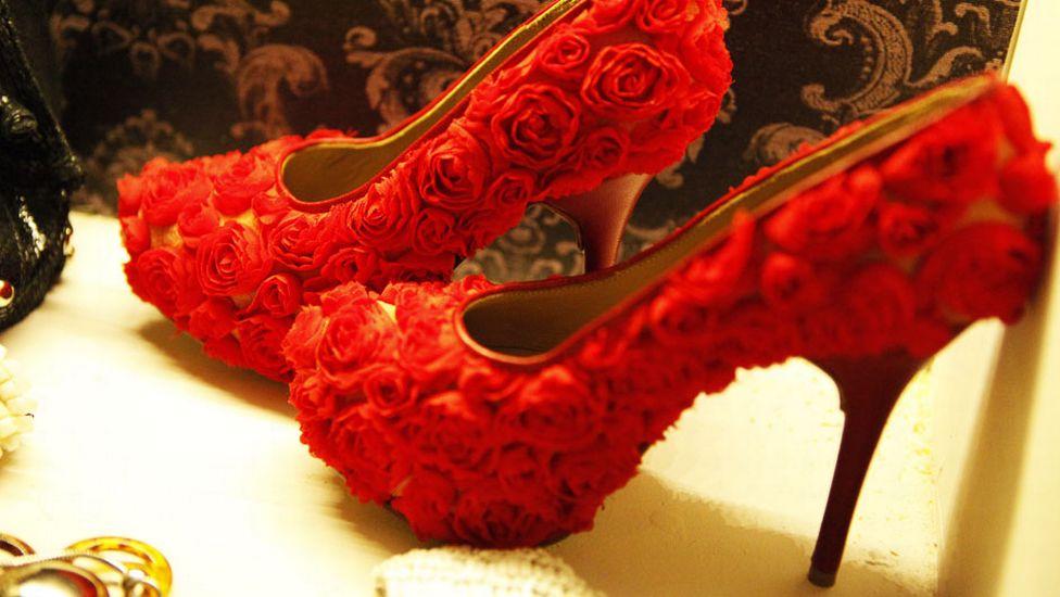 447294 Sapatos extravagantes 24 Sapatos extravagantes