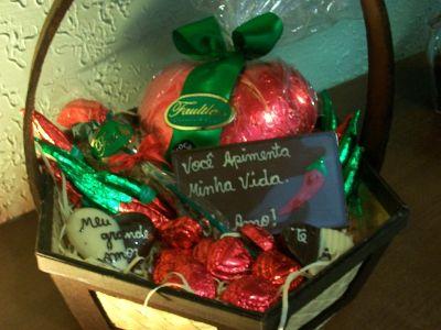 448711 cesta de chocolate para dia dos namorados Cesta de chocolates para Dia dos Namorados