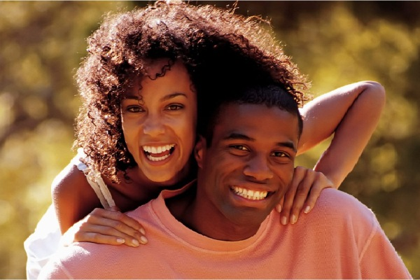 449765 casal alegre Casamento: vocês estão prontos para o próximo passo?