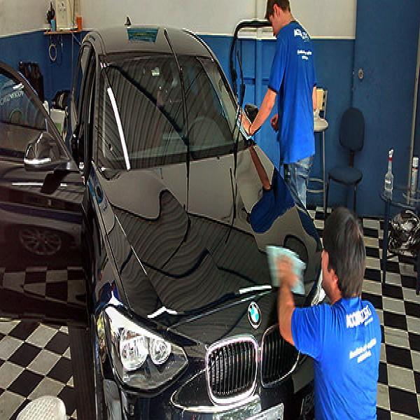 44993 lavagem seco carros 600x600 Curso de Lavagem a Seco de Automóveis