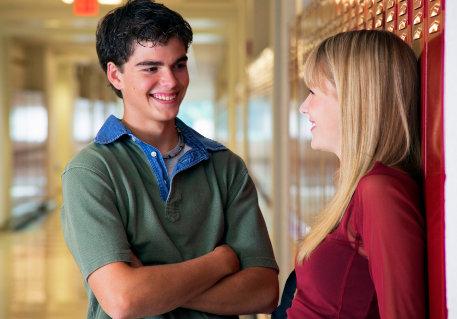 449957 Iniciar um diálogo é muito importante para se conhecerem. Dicas para seduzir na paquera