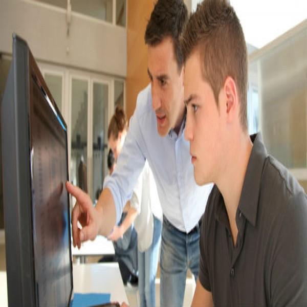 450885 professor e aluno seducpa 600x600 Seduc PA   boletim online, lançamento de notas