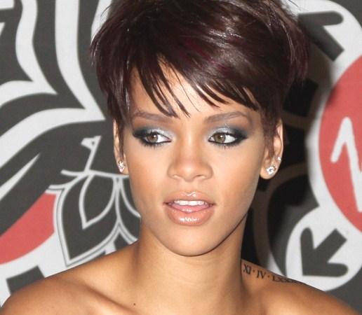 455144 Rihanna Pixie Hair 839x1024 Maquiagem para usar a noite, passo a passo