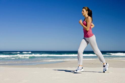 461090 A pratica de atividade física é essencial para quem deseja um abdomen sarado. Alimentos para queimar gordura localizada – dicas