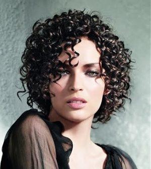 461776 Cabelos crespos curtos penteados dicas 1 Cabelos crespos curtos: penteados, dicas
