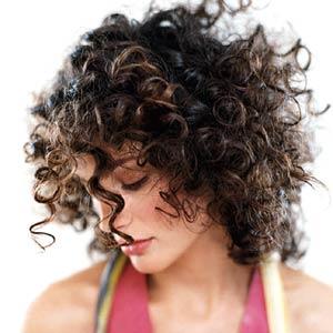 461776 Cabelos crespos curtos penteados dicas 2 Cabelos crespos curtos: penteados, dicas
