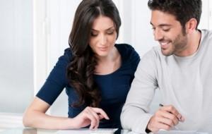 Namorar no trabalho pode atrapalhar desempenho profissional