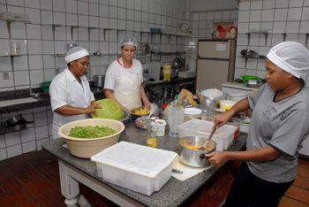 464726 Curso gratuito auxiliar de cozinha Senac MG Pronatec 2012 2 Curso gratuito auxiliar de cozinha, Senac MG   Pronatec 2012