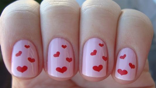 466402 Unhas decoradas com corações dicas fotos Unhas decoradas com corações: dicas, fotos