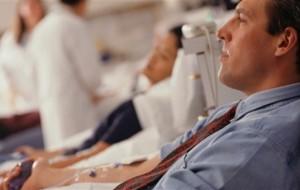 Apenas 20% dos doadores de sangue são voluntários, diz pesquisa