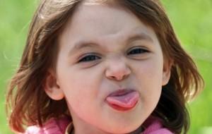 Criança com língua presa: o que fazer