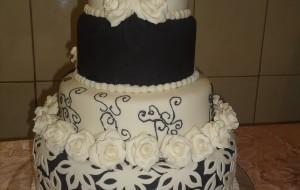 Fotos de bolos artísticos preto e branco 23