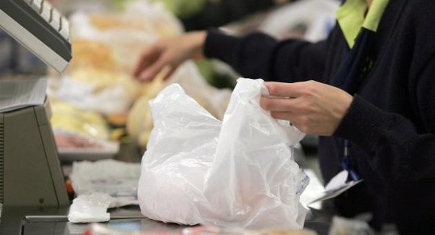 470779 5z6nnj85ah1p13x5ir4a98zx1 Acordo que proibia a distribuição de sacolas plásticas é suspenso