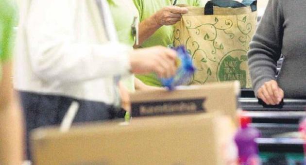 470779 sacolas1 400x600 Acordo que proibia a distribuição de sacolas plásticas é suspenso