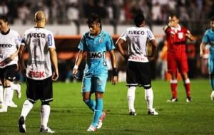 Corinthians vence Santos e segue para final da Libertadores