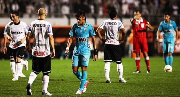 471324 lances corinthians santos 20120620 15 size 598 Corinthians vence Santos e segue para final da Libertadores