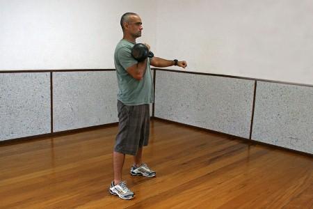 472916 a1 Exercícios básicos de Kettlebell