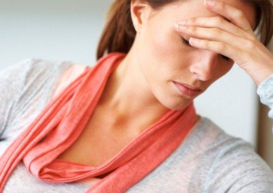 472941 Um dos sintomas da mononucleose é o mau estar. Doenças transmitidas pela saliva
